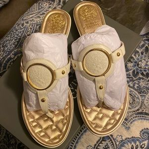 Vince Camuto Braida Sandal Size 9M BRAND NEW